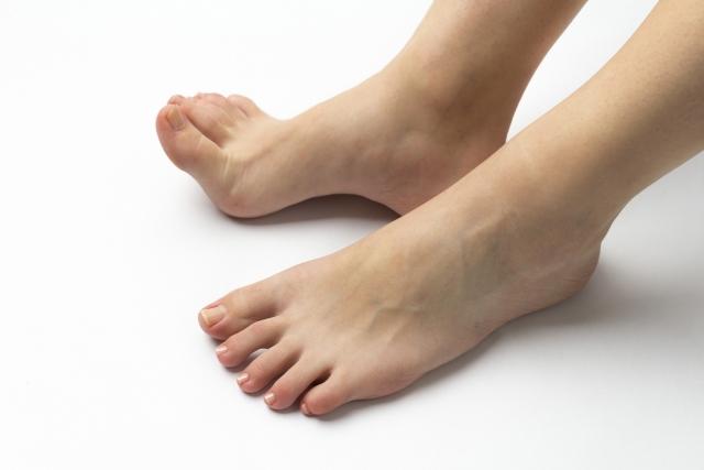 足のニオイ、フットスプレー、消臭剤