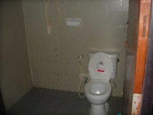 タイ、トイレ