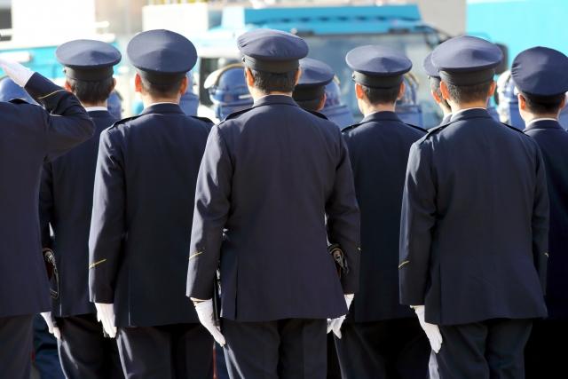 警察学校、入校待ち、訓練、教官