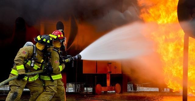 消防士、デメリット、やりがい、訓練